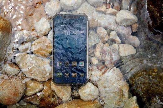 Удароистойчиви телефони